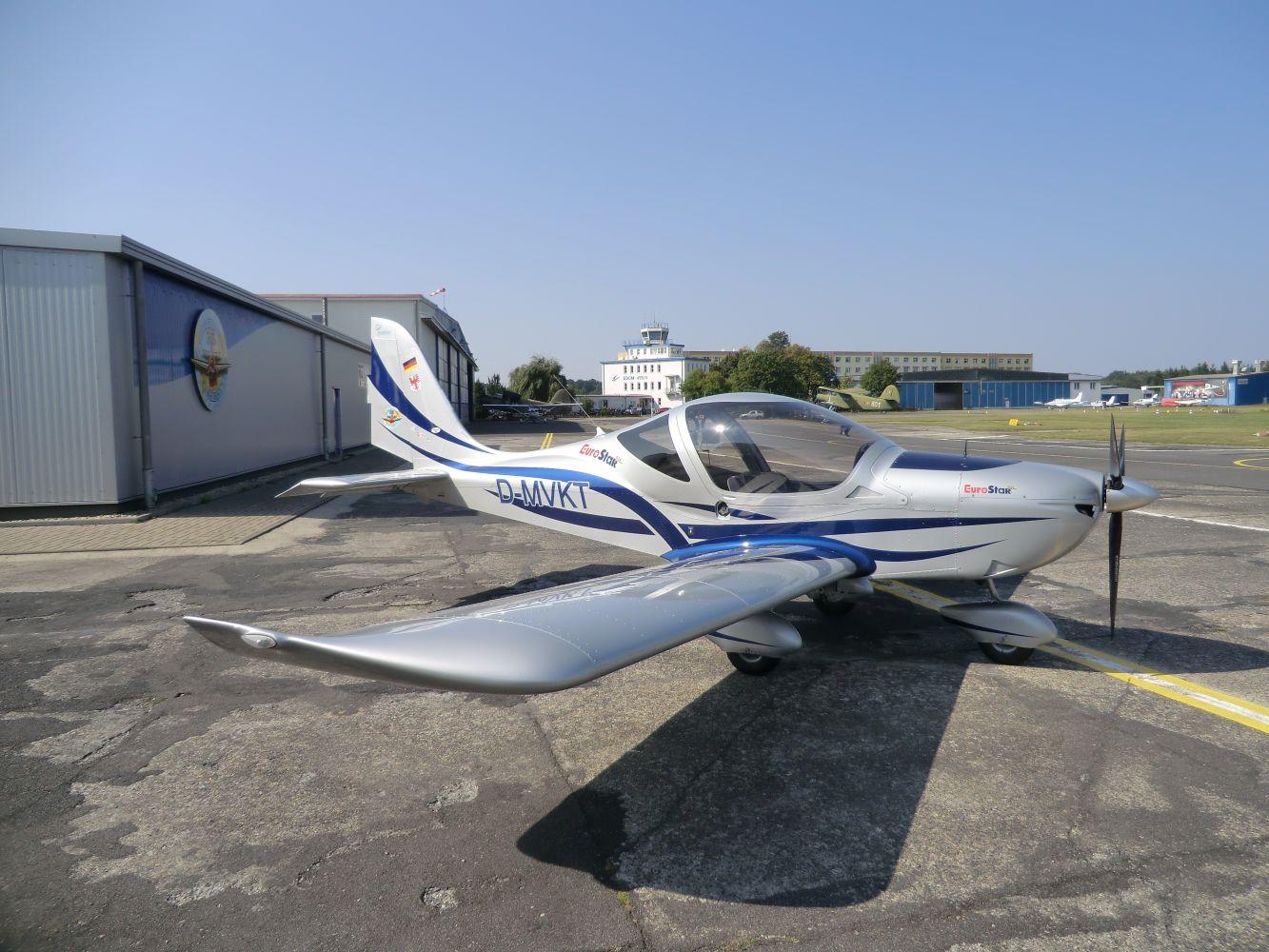 Schulflugzeug_1